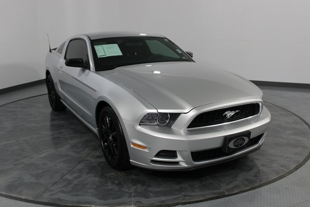 Pre Owned 2014 Ford Mustang V6 Premium 2d Coupe Kx1483a Cable
