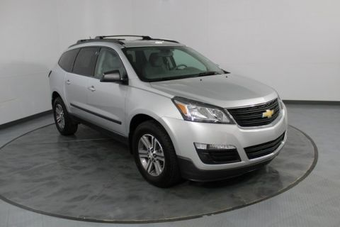 Pre-Owned 2017 Chevrolet Traverse LS FWD 4D Sport Utility
