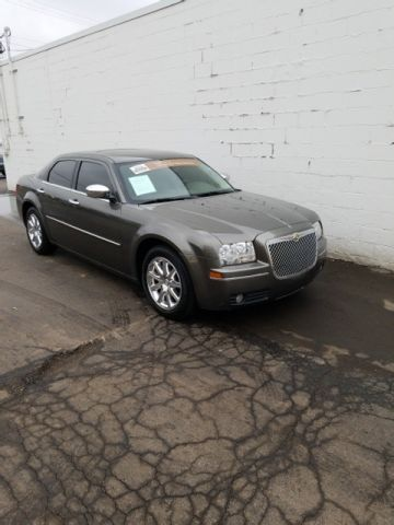 Pre-Owned 2009 Chrysler 300 Signature Series